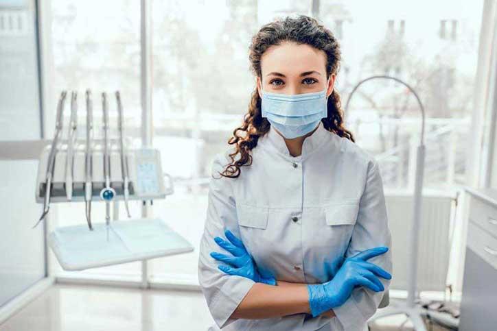 Quelles mesures les cliniques dentaires ont-elles prises pour s'ajuster à la COVID-19?